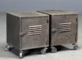 To sengeskabe af jern i industriel stil, patineret bemaling (2)