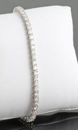 Bracelet in 14k set with brilliant cut diamonds 4.00 ct.