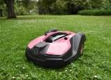 Pink Husqvarna robotplæneklipper - Til fordel for Støt Brysterne