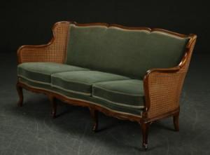lot 4047671 tre personers sofa med fransk r rflet rokoko. Black Bedroom Furniture Sets. Home Design Ideas