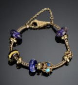 Troldekugler. Bracelet with charms