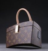 Louis Vuitton, special edition, model Twisted Box, designed by Frank Gehry (2)