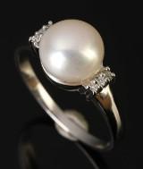 Ring, 9 kt rhodineret guld med perle