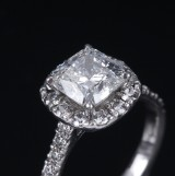 Diamond ring, platinum, with cushion-cut diamond, 1.71 ct. GIA report no. 5173394738, dated May 2014