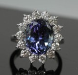 Ring, 18k gold with tanzanite, 6.97 ct, and diamonds, 1.40 ct