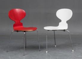 Lot Art | Arne Jacobsen. To 'Myren' stole model 3101. (2)