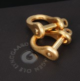 Ole Lynggaard. 'Sjækel' cufflinks, 18 kt. satin-finish red gold