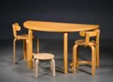 Duba halvbord. Samt 2 stole og skammel af bøg (4)