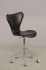 Arne Jacobsen. Office chair, model 3107 from 2007