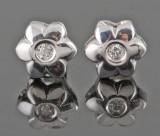 Earrings in 18kt set with briliant cut diamonds 0.06 ct
