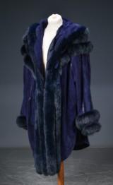 Cape / jakke af blå ruskind, kantet med ræv, onesize