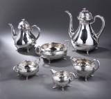Anton Michelsen og A.F. Rasmussen. Stort kaffeservice af sølv, anno 1866 og 1950. (6)