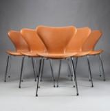 Arne Jacobsen. Seks 'Syveren' stole med cognac læder, model 3107, nybetrukkede (6)