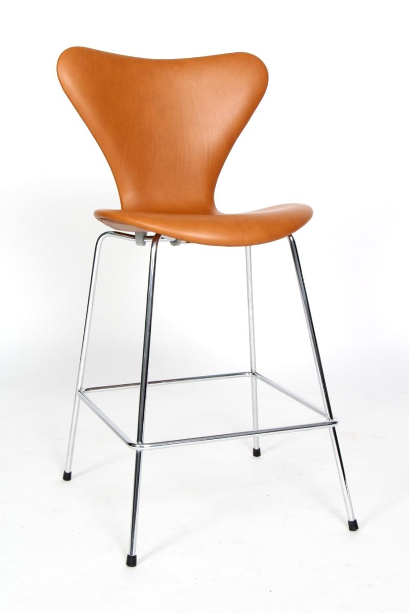 Arne Jacobsen. Barstol 'Syveren', model 3187  