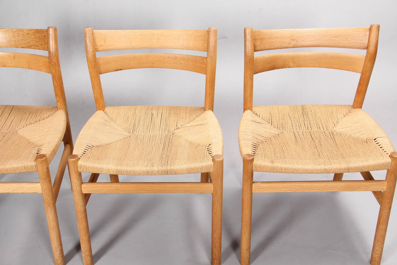 Børge Mogensen. Fire stole af egetræ, model BM1 (4