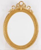 Spegel i gustaviansk stil