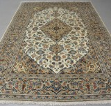 Persian Ardakan. Wool on cotton, 300 x 200 cm.