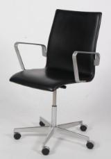 Arne Jacobsen. Oxford kontorstol, Sort læder