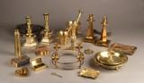 Samling diverse messing, bronze, tin og malm, 1900-tallet. (22)