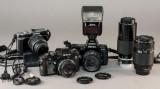 Nikon og  Olympus kamera med tilbehør