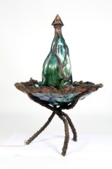 Ivan Boytler/ Jens Galschiøt, cd. Vandkunst, fontæne i glas og kobber, H. 152 cm.