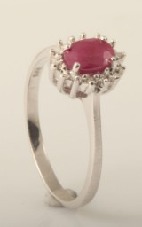 Ring set with ruby and diamonds approx. 0.35ct & 0.02ct