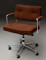 Charles Eames & Ray Eames. Office chair, model ES 102 from Herman Miller