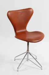 Arne Jacobsen. Office chair, model 3117, reupholstered in cognac aniline leather