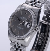 Rolex 'Datejust'. Men's watch, steel with silver-grey dial with date, c. 1989