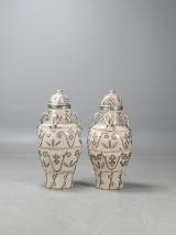 Stora urnor med lock, ett par, Marocko
