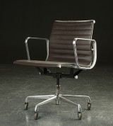 Charles Eames. Office chair, model EA 117, leather