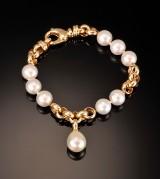Guldarmbånd med South Sea perler