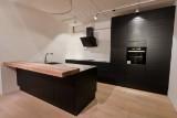 Køkken fra JKE Design i sort eg