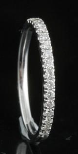 18kt diamond ring approx. 0.31ct.