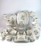 Teeservice aus der Manufaktur Villeroy & Boch, Modell: Delia (48)