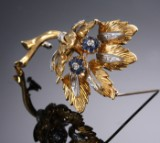 Retro Italian sapphire and diamond brooch in 18 kt. yellow and white gold, c. 1950s