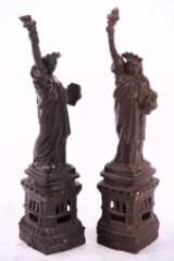 2 Freiheitsstatuen