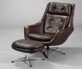 Dansk møbelproducent. Lænestol med skammel (2)