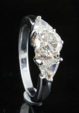 18kt diamond ring approx. 1.75ct