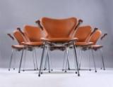 Arne Jacobsen. Et sæt på seks armstole 'Syveren', model 3207, Cognacfarvet anilin læder. (6)