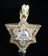 Pendant 18kt with triangles and brilliant cut diamonds approx. 4.75ct