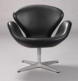 Arne Jacobsen. Svanen. Lænestol, model 3320