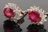 Rubin- og diamantørestikkere, et par (2)