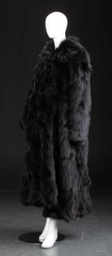 Frakke af indfarvet sort ræv. Str 42/44