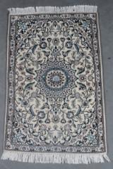 Persisk Nain. m/ silke, 140 x 90 cm.