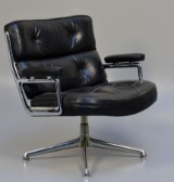 Charles & Ray Eames. Lobby Chair, model ES-105, black leather