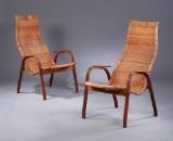 Yngve Ekström. A pair of chairs, 'Kurva' (2)