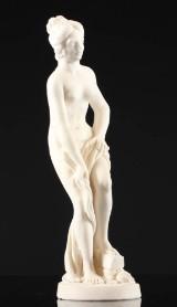 Figur i form af kvinde, bisquit