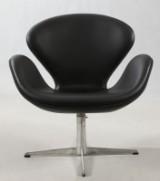 Arne Jacobsen. The Swan easy chair, black leather
