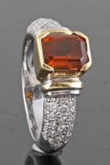 Diamond and citrine ring in 18kt approx. 0.66ct